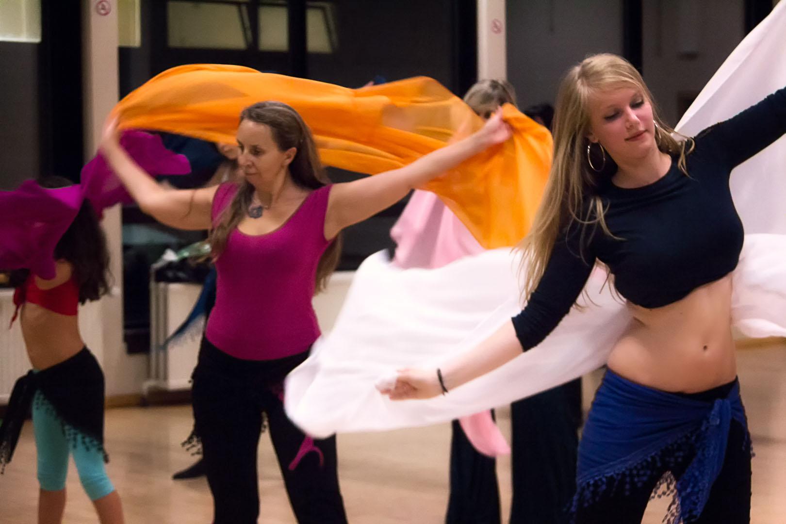 Malika dance cours danse orientale 19 malika dance - Danse de salon lorient ...