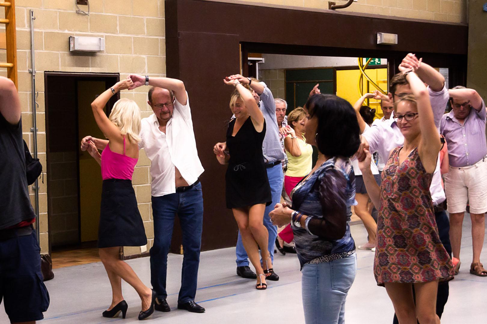 Danses latines danses de salon malika dance for Dans de salon